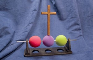 Three-Ball-Illustrationl_02_cross_attached_-_reduced